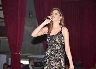 """20 مايو.. آمال ماهر في دويتو مع """"شارموفرز"""" بحفل جامعة مصر"""