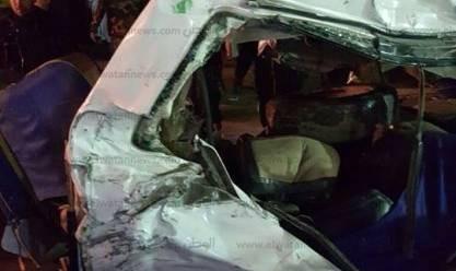 عاجل| إصابة 16 في انقلاب سيارة ميكروباص بطريق القاهرة - الفيوم الصحراوي