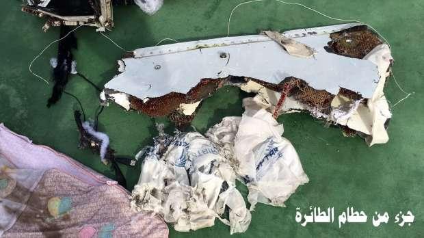 أول صور لحطام الطائرة المصرية المنكوبة 6612193721463824438