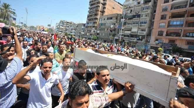 بورسعيد.. مصرع صحفى وإصابة 16 فى انفجار بميدان الشهداء.. والأهالى يهاجمون مقر حزب «الوسط»