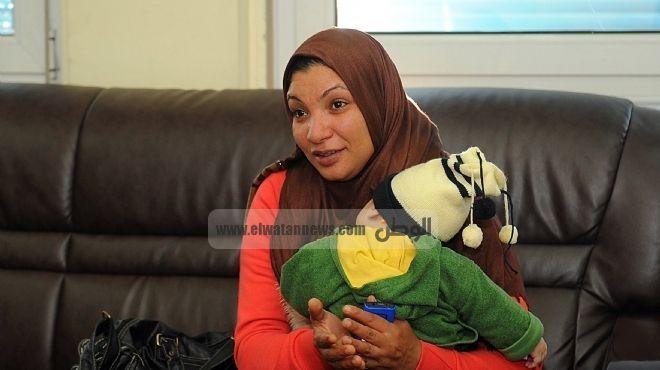 زوجة ضحية التعذيب: الحكم فى جلسة الاستئناف تأجل بعد نشر الفيديو.. ولو تنازل زوجى «مش هيسيبونا»