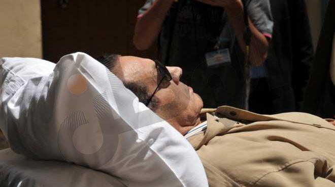 مصدر مطلع: المبالغة بشأن تدهور صحة مبارك هدفها امتصاص غضب الشارع بعد مغادرته السجن