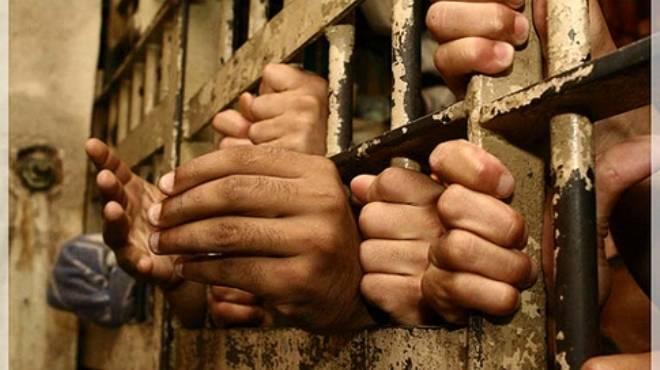القبض على 4 أشخاص ينقبون عن الآثار بالغربية